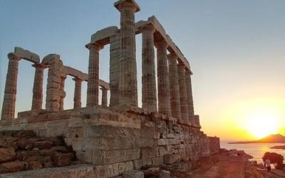 Islas Griegas y un velero, combinación perfecta